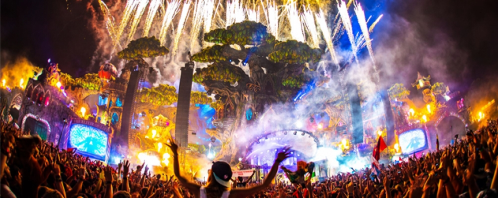 """Live today, love tomorrow, unite forever."" Festivaleiros portugueses presentes no Tomorrowland"